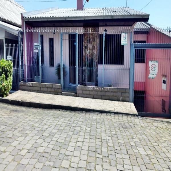 Casa Residencial 4 dormitórios em Caxias do Sul no bairro MARECHAL FLORIANO