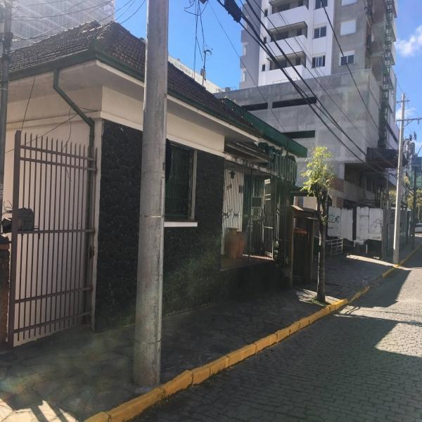 Casa Comercial 5 dormitórios em Caxias do Sul no bairro PIO X