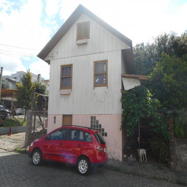 Casa Residencial em Caxias do Sul no bairro PIO X