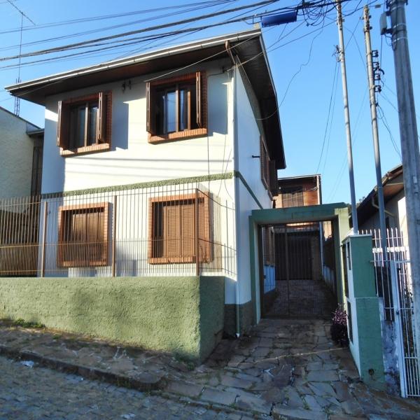 Casa Residencial 9 dormitórios em Caxias do Sul no bairro SAGRADA FAMÍLIA