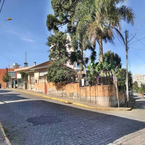 Casa Residencial 3 dormitórios em Caxias do Sul no bairro PIO X