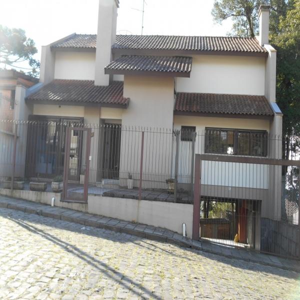 Casa Residencial 3 dormitórios em Caxias do Sul no bairro ANA RECH