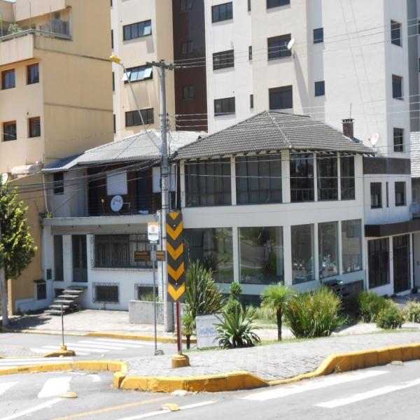 Casa Comercial em Caxias do Sul no bairro SÃO LEOPOLDO
