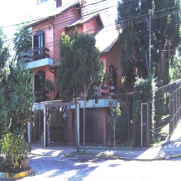 Casa Residencial em Caxias do Sul no bairro SAINT ETIENNE