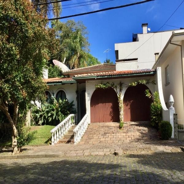 Casa Residencial 3 dormitórios em Caxias do Sul no bairro CINQUENTENARIO
